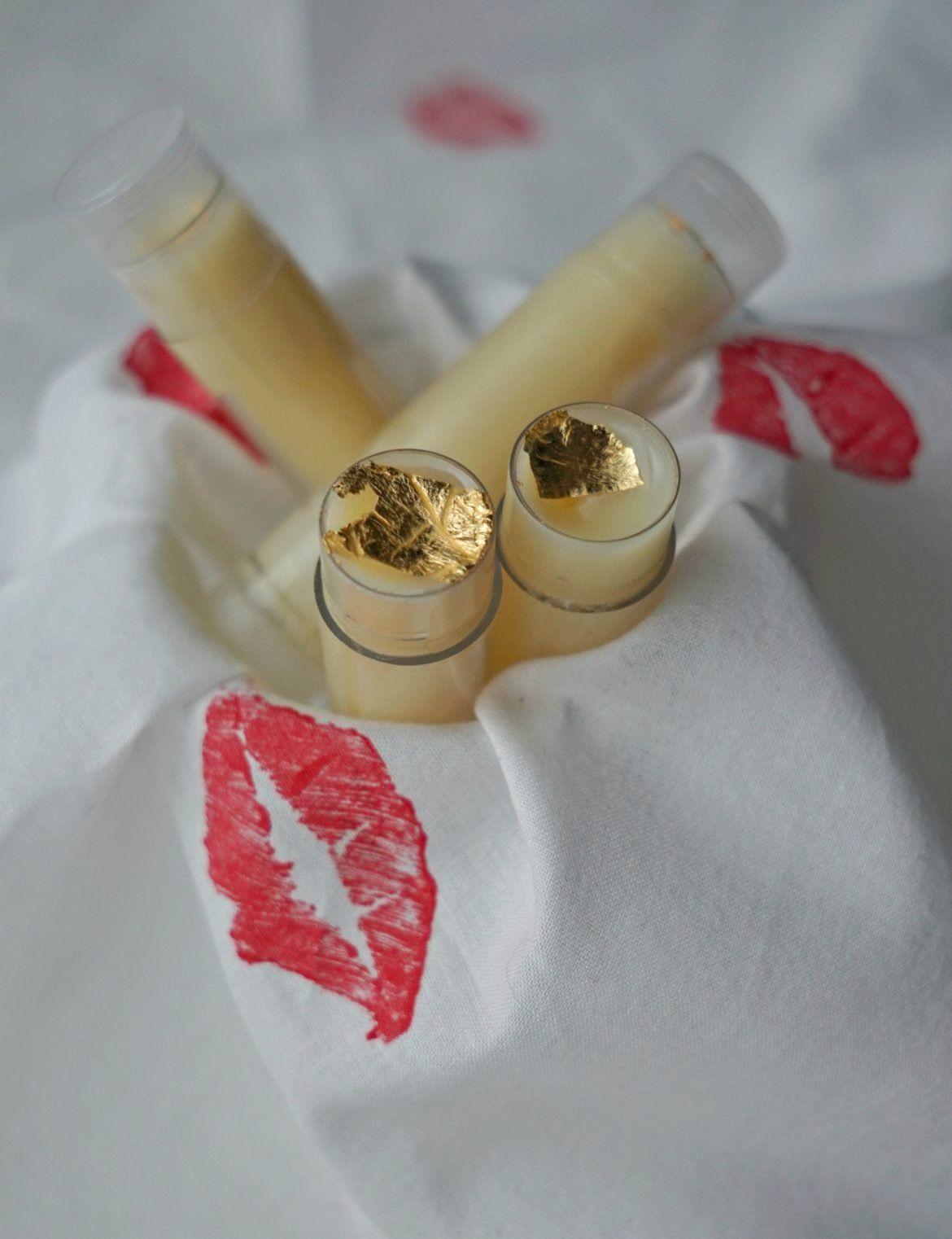 Vegan Lip Balm DIY Recipe #lipscrubs