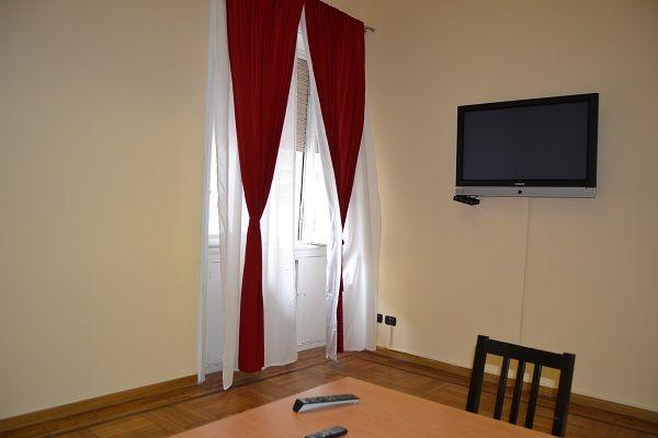 #BUENOSAIRES – #CAIAZZO. In Via Mercadante affittiamo un bell'ufficio composto da 3 stanze, due zone di disimpegno e bagno, posto al piano rialzato alto di uno stabile signorile anni '40. http://www.rossomattone.eu/Milano_Buenos_Aires_Caiazzo_Milano_Affitto_Ufficio_Via_Marcadante-h144-m19-s16-p16.html?&conta_lista=6&metodo=DESC&ordina=