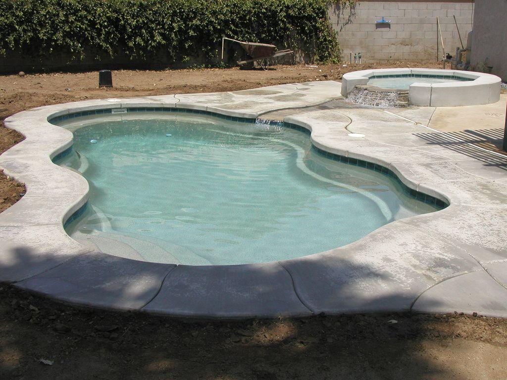 Laguna 29a Viking Pools Free Form Fiberglass Pools Of The Desert La Quinta Ca Fiberglass Pools Backyard Pool Swimming Pools Backyard