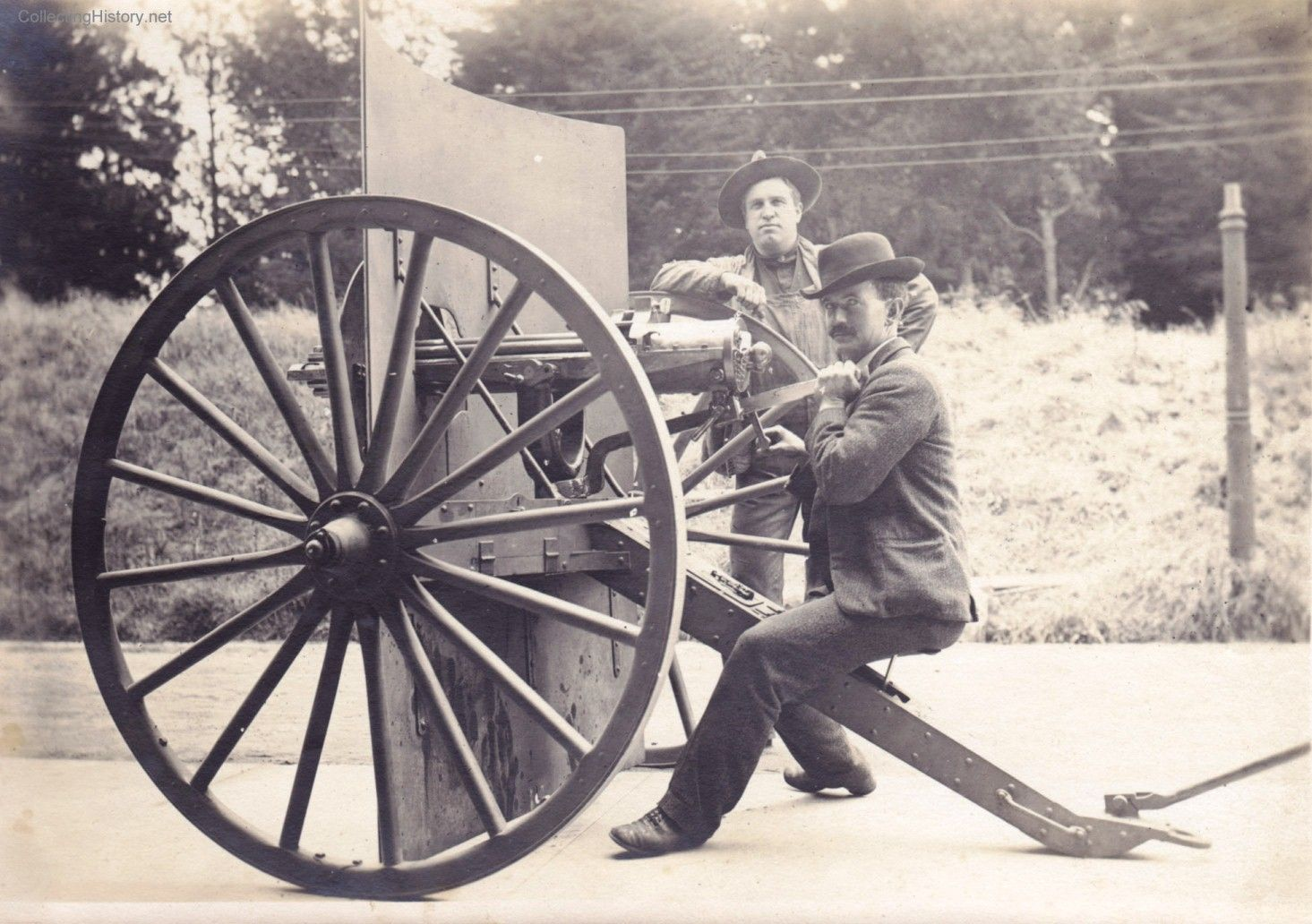 Gatling Design gatling gun baker s battery 1905 the gatling was the precursor of