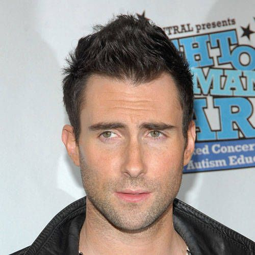 Men S Haircuts On Adam Levine Of Maroon 5 Latest Men Hairstyles Men S Short Hair Thick Hair Styles