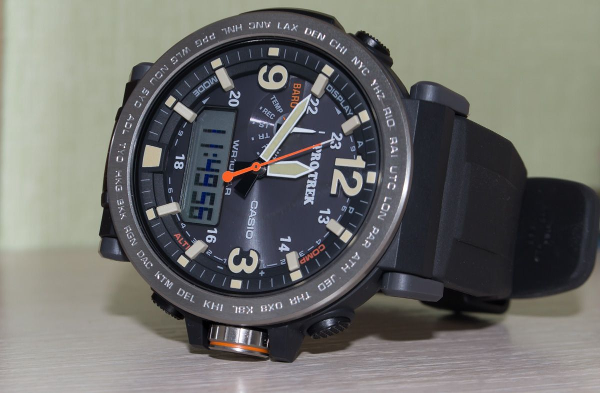 64df0ff62 Live Photos] ProTrek PRG-600-1 — refined watch with new style ...