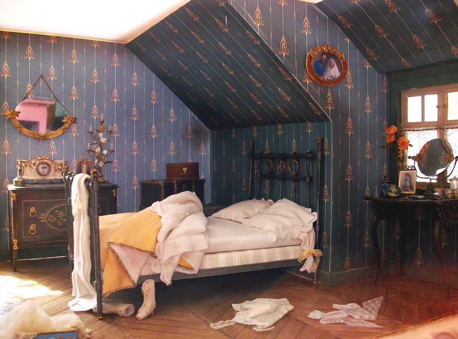 Dollhouse Attic Bedroom I Love That It S Not Tidy It Makes It Even
