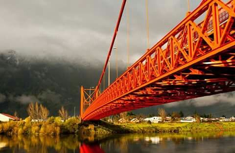 puente colgante presidente ibañez. aysen