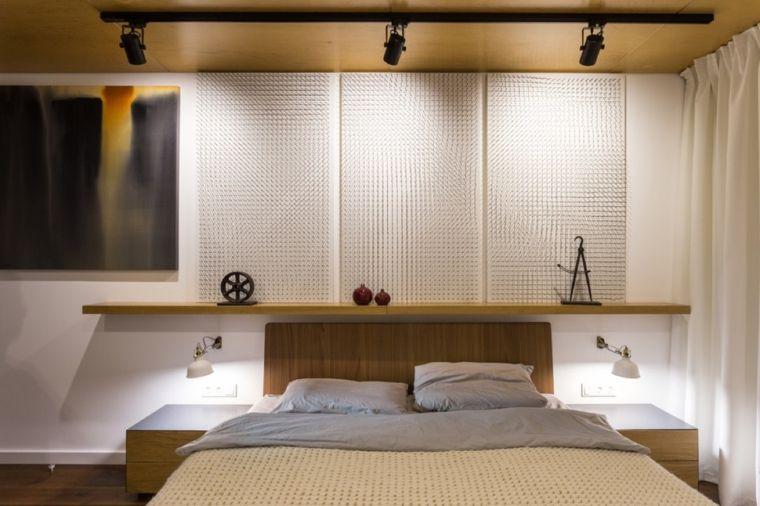mobili-legno-camera-da-letto-pannelli-parete-bianchi-faretti ...