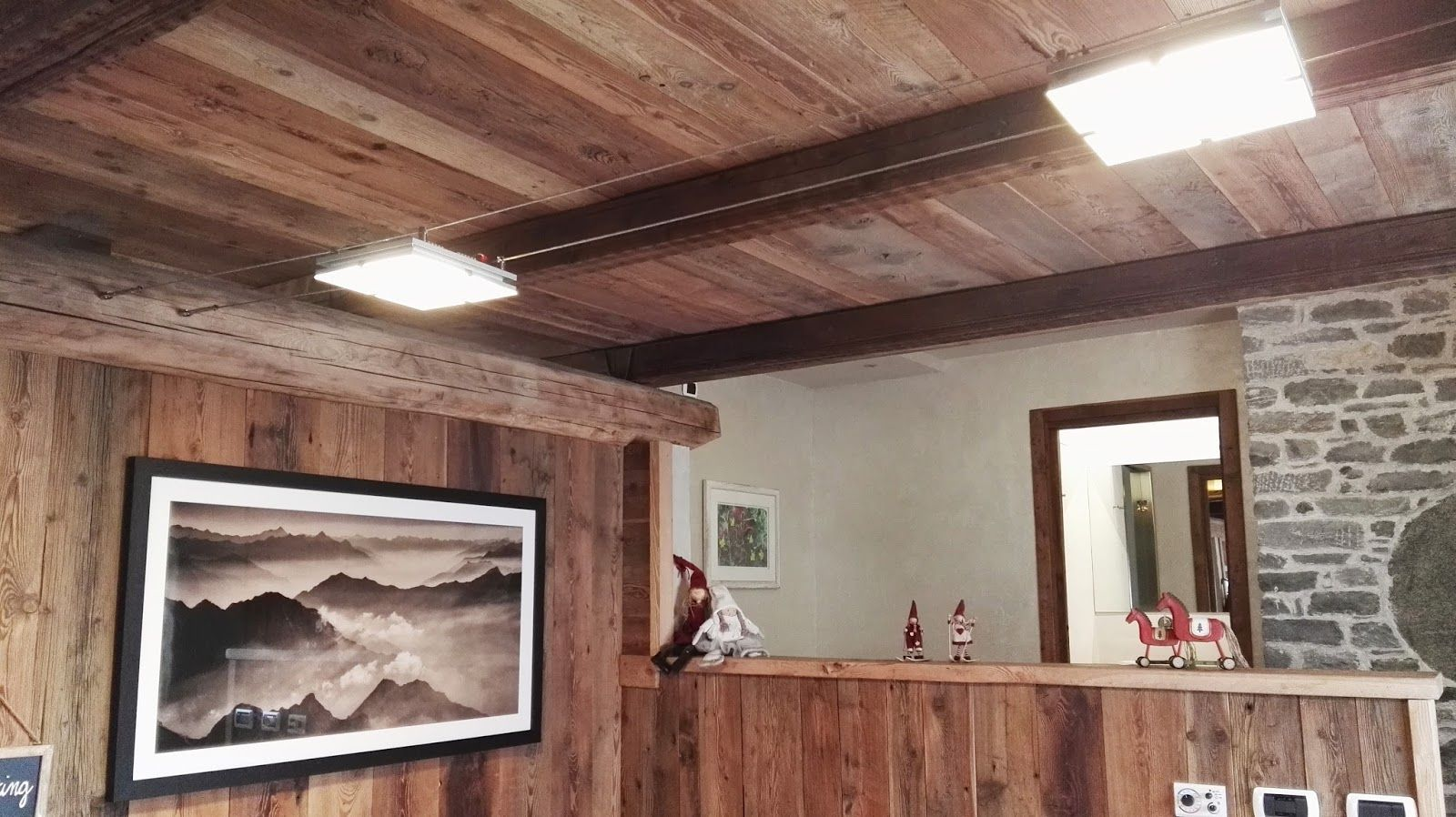 Plafoniere Per Travi Legno : Risultati immagini per illuminare soffitto travi a vista home
