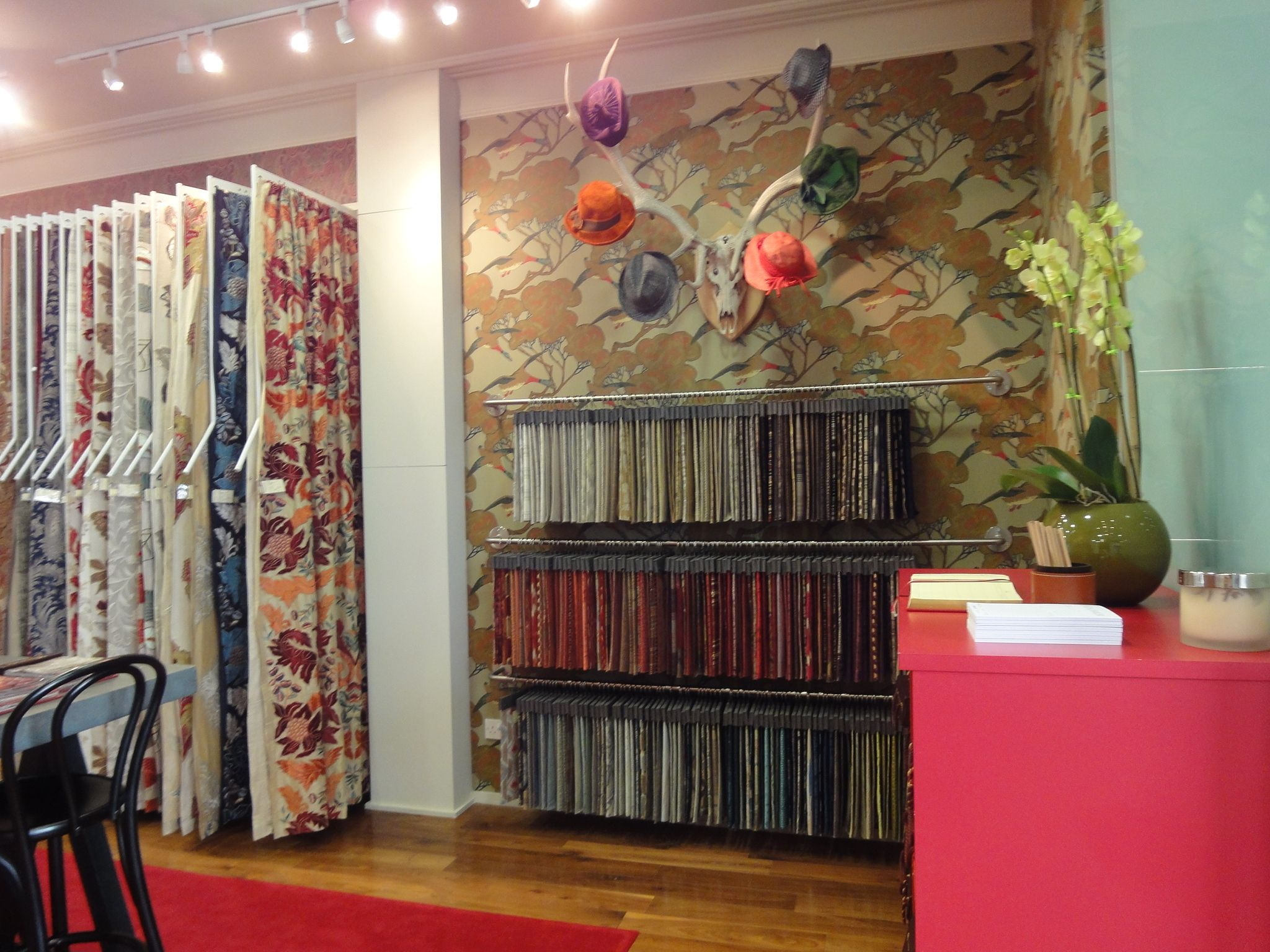 Mulberry Showroom Chelsea Harbour Interior Shop Interior Design Design