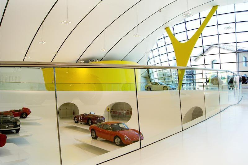 architecture intérieure du musée casa enzo ferrari à modène