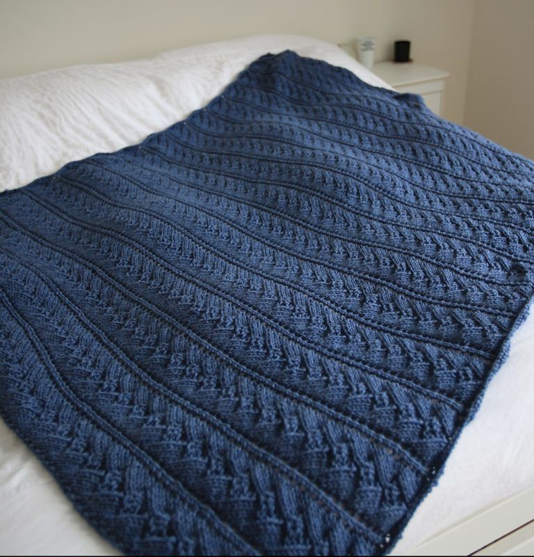 Free Knitting Pattern For Easy Sweet Scallops Throw This Looks