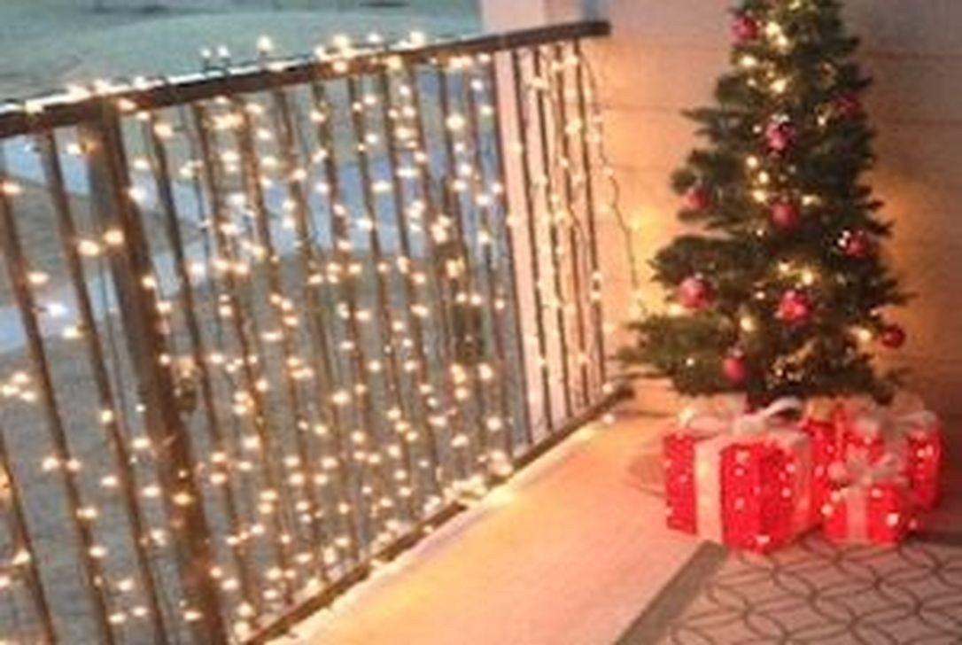 Marvelous Balcony Decoration Ideas Winter 01 | Christmas ...