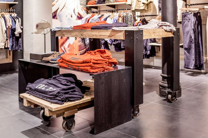 favorito Estable Mucama  Timberland store by Green Room, Barcelona » Retail Design Blog   Timberland  store, Green rooms, Retail design