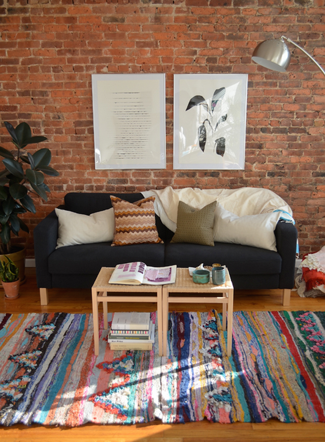 Perfect 13 Creative Ideas For Decorating With An Exposed Brick Wall. Colorful RugsFunky  ...