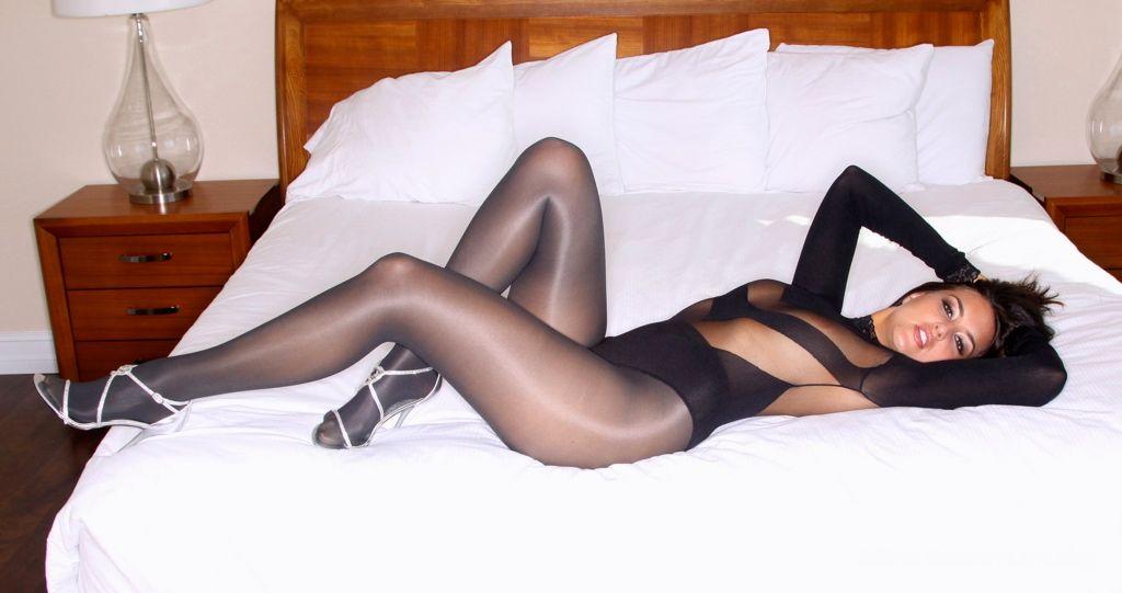 Himealavo men's sexy pantyhose underwear fishnet men stockings black