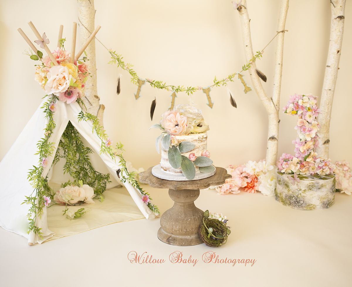 Boho Tent with flowers arrows Cake Smash One Year Birthday