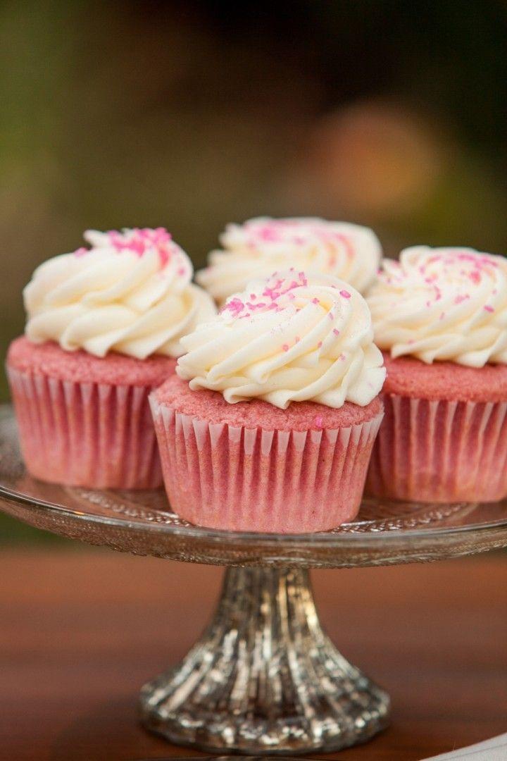 Breezy California Wedding from Elle Jae Photography - cupcake wedding dessert idea