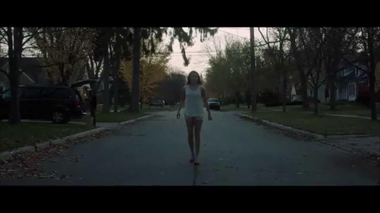 It Follows (2014) - opening scene
