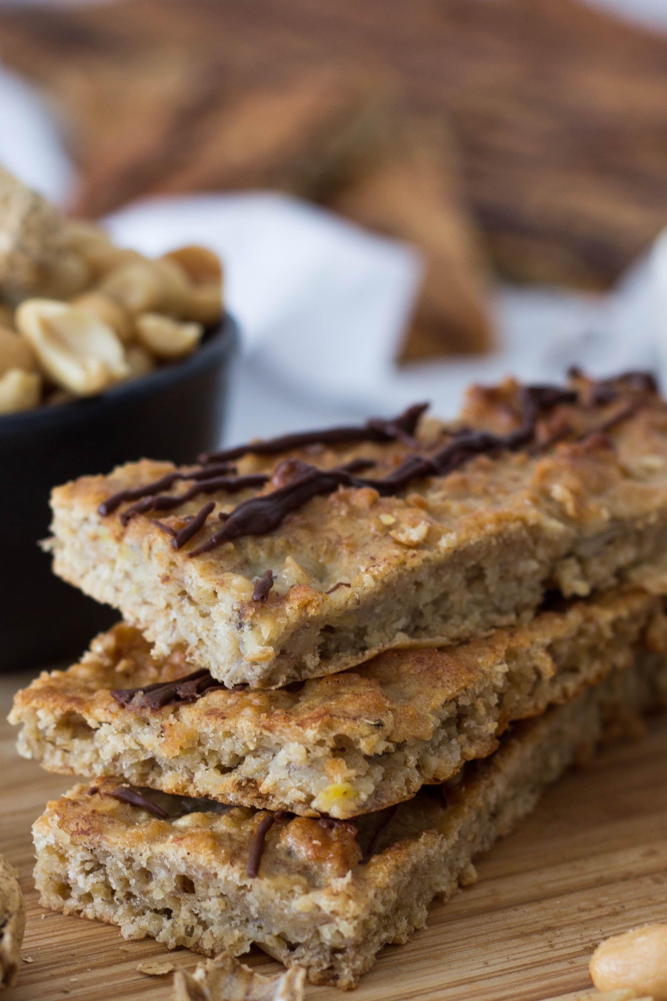 Bananen-Haferflocken Riegel mit Erdnussmus - gesunder Snack