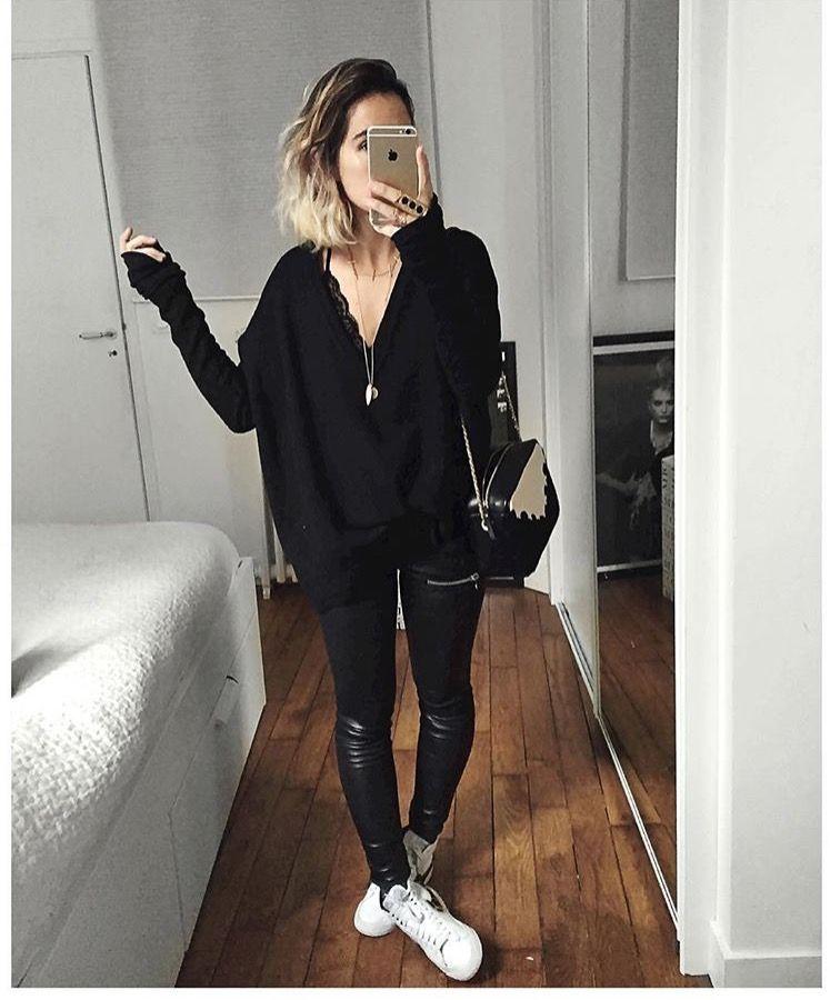 Tout noir et superpostion de cols V : Pull laine sur Tshirt laine sur body  dentelle Knit & Leather (from Wool Shirt