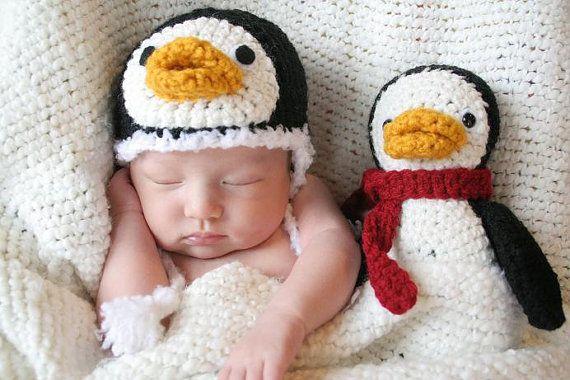 Babymützen mit passendem Kuscheltier | Neugeborene, Pinguine und ...