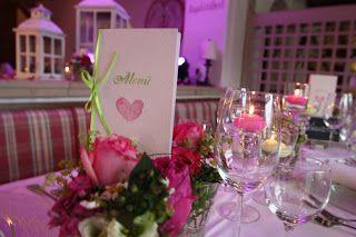 Menükarten in Pink und Grün