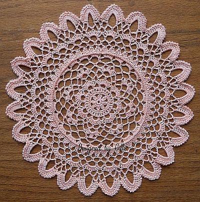 Feathered Petals crochet doily | Crochet Doily | Pinterest | Häkeln
