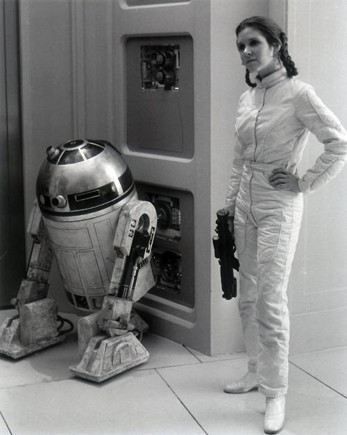 R2 & Princess Leia. Behind the scenes