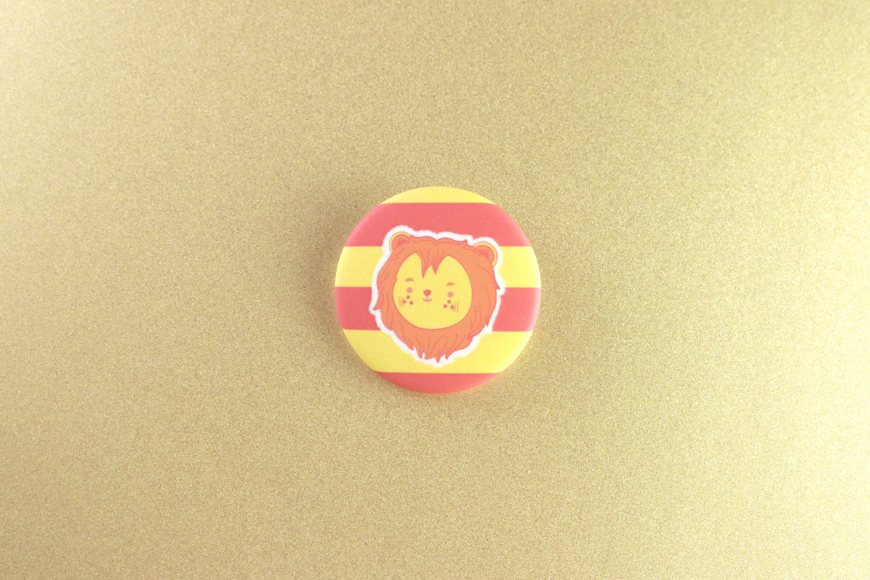 Harry Potter Hufflepuff Lapel Pin Badge//Brooch School House Crest Hogwarts Newt