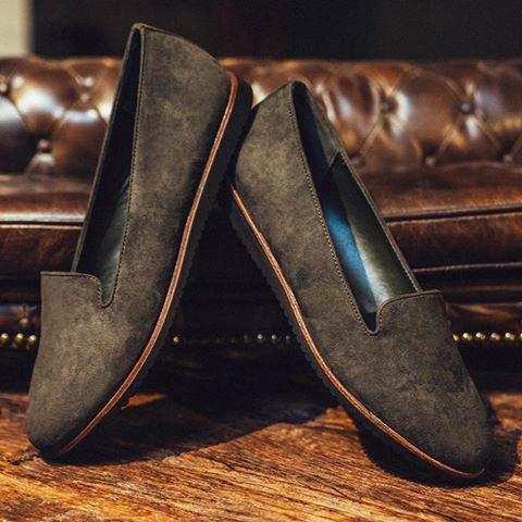 1c18f567f Женские лоферы Graceland цвета антрацит. Профильная подошва подчеркивают  классический стиль обуви. Лоферы хорошо комбинировать