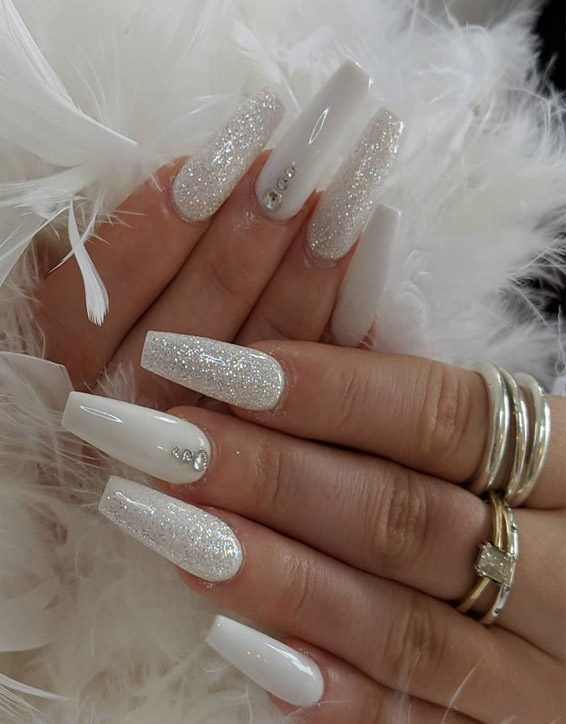 Photo of Stylish Looks of White Nails to Try In 2019