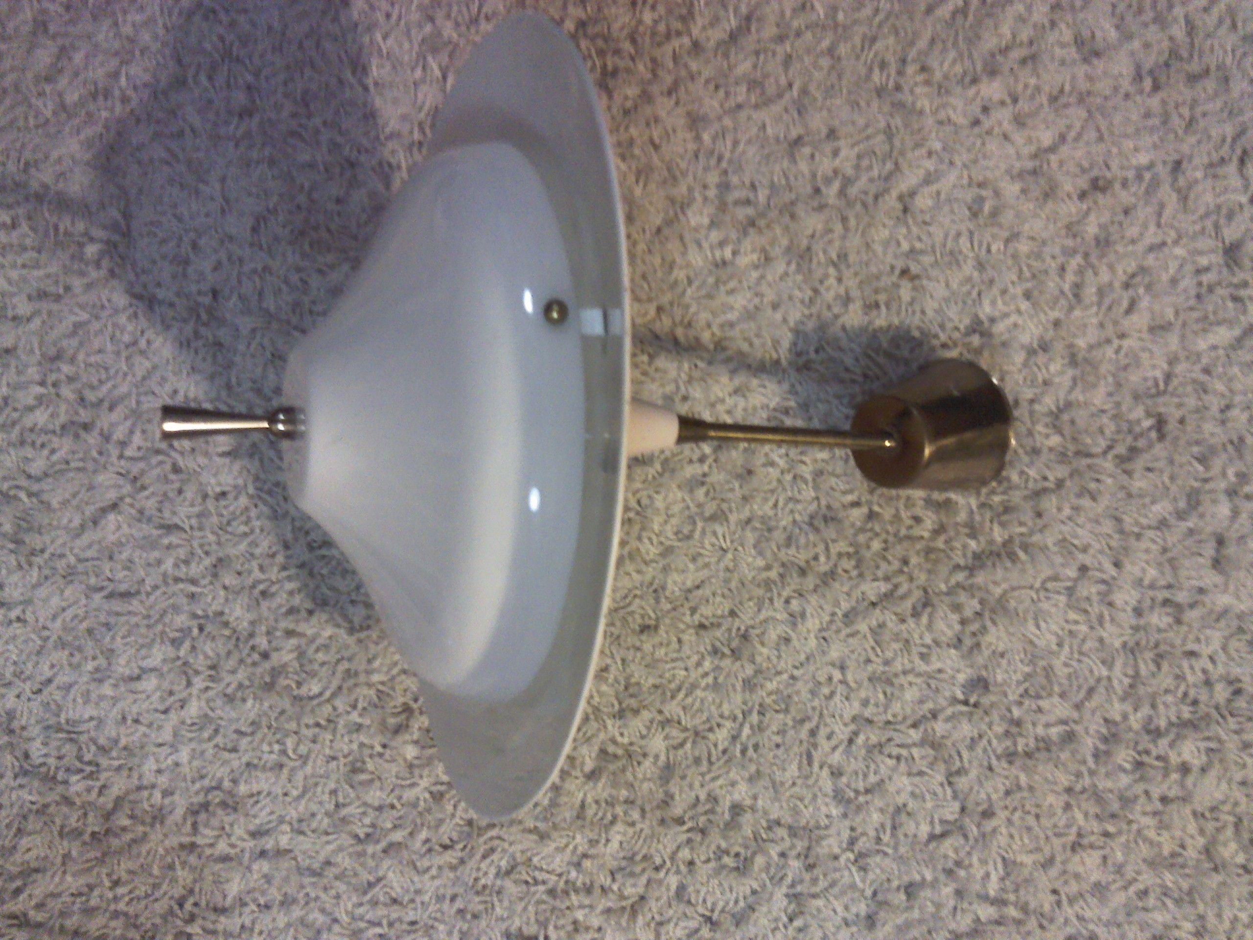 lampara de techo, acrilico, metal y bronce.....mi favorita !!!!