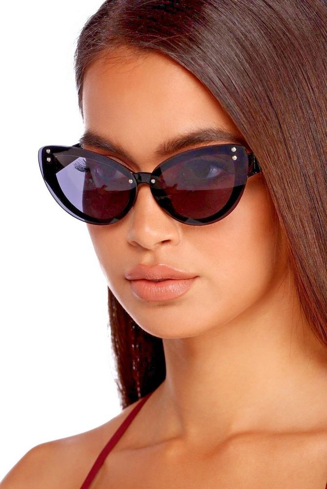 e9283f5e9382 Black Retro Cat-Eye Sunglasses Women Fashion  shades  holiday  bling   HolidayFashion  holidayStyle