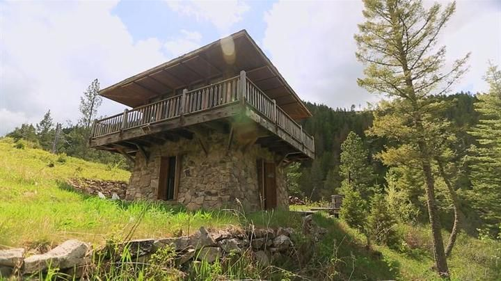 Watch 500 Sq Ft Rocky Mountain Mansion Full Episode