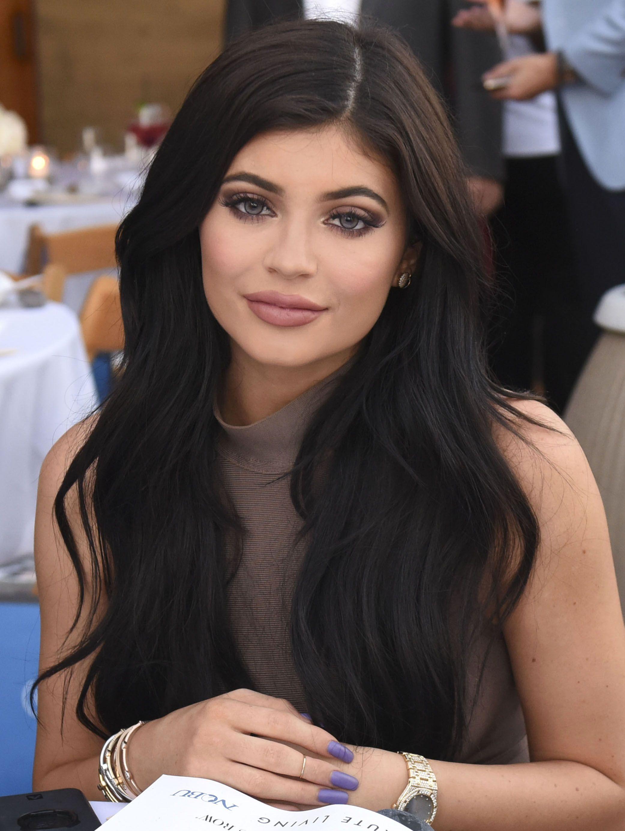 Best 25+ Kylie Jenner Long Hair Ideas On Pinterest