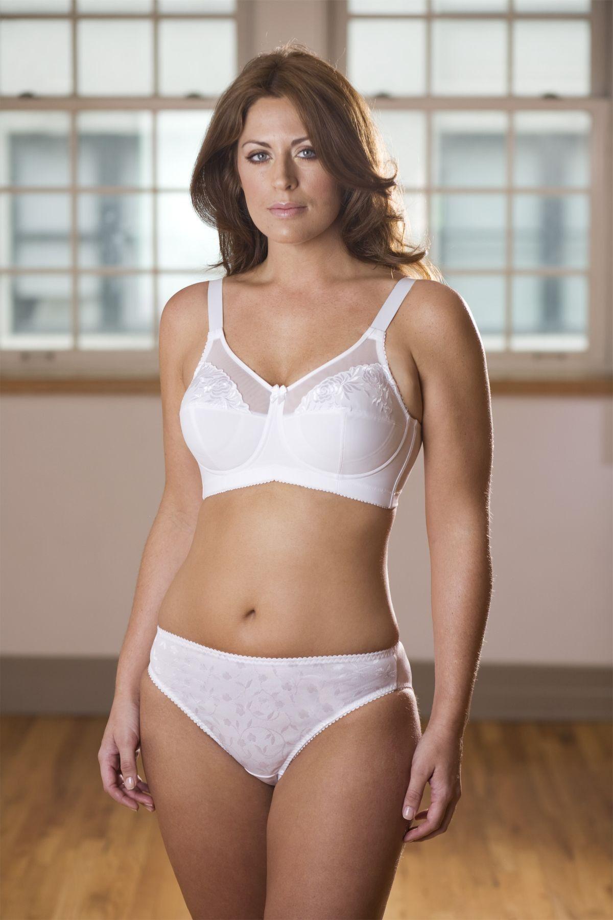 bb9f43b2ff White bra and panties Soft Cup Bra