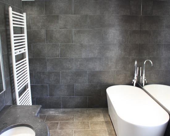 Salle de bain moderne en carrelage gris foncé salle de bain - Salle De Bain Moderne Grise