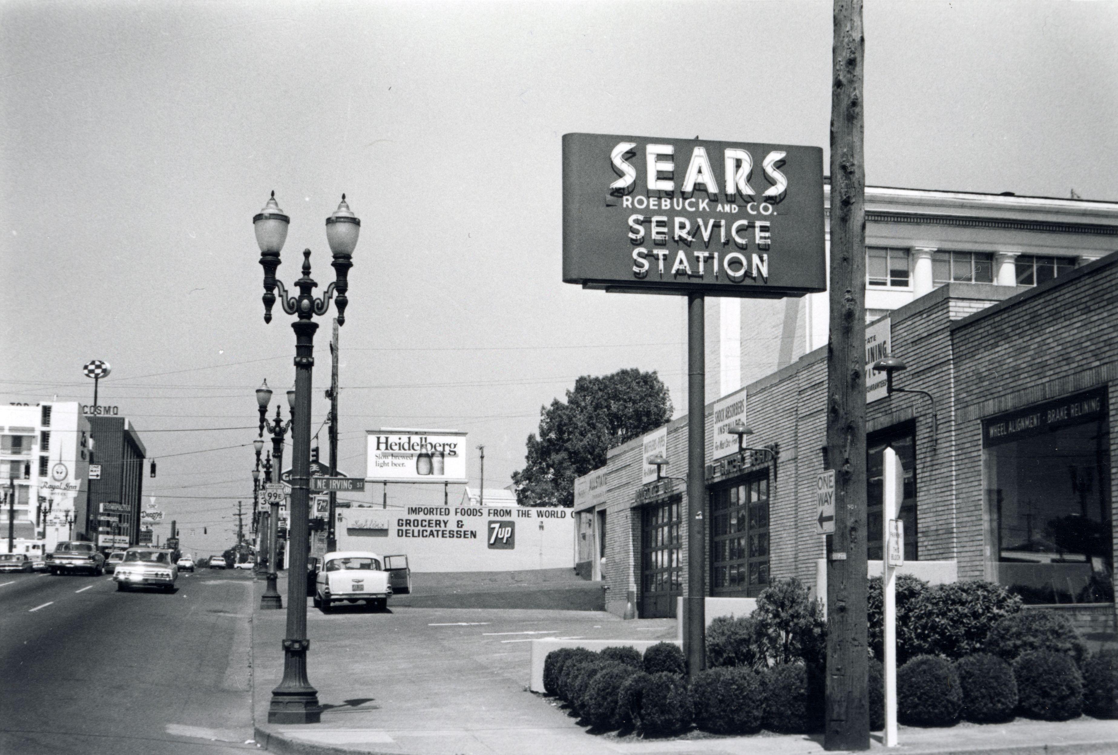 NE Grand Avenue, 1969 Grands, Photo