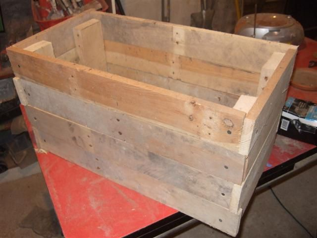 fabriquer un bac à aromates en bois de palette | pallets and decking