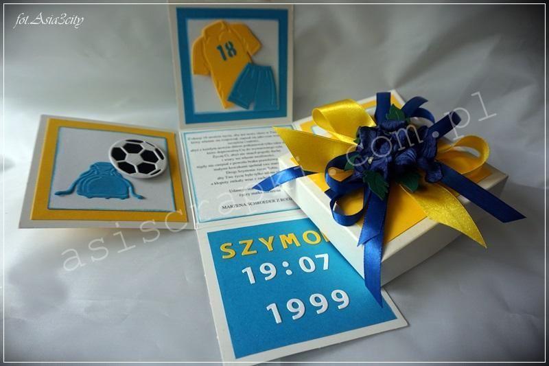 Sportowy box na 18 dla miłośnika piłki nożnej. Kolory klubowe Arki Gdynia. Sportowy box na 18 Podobne