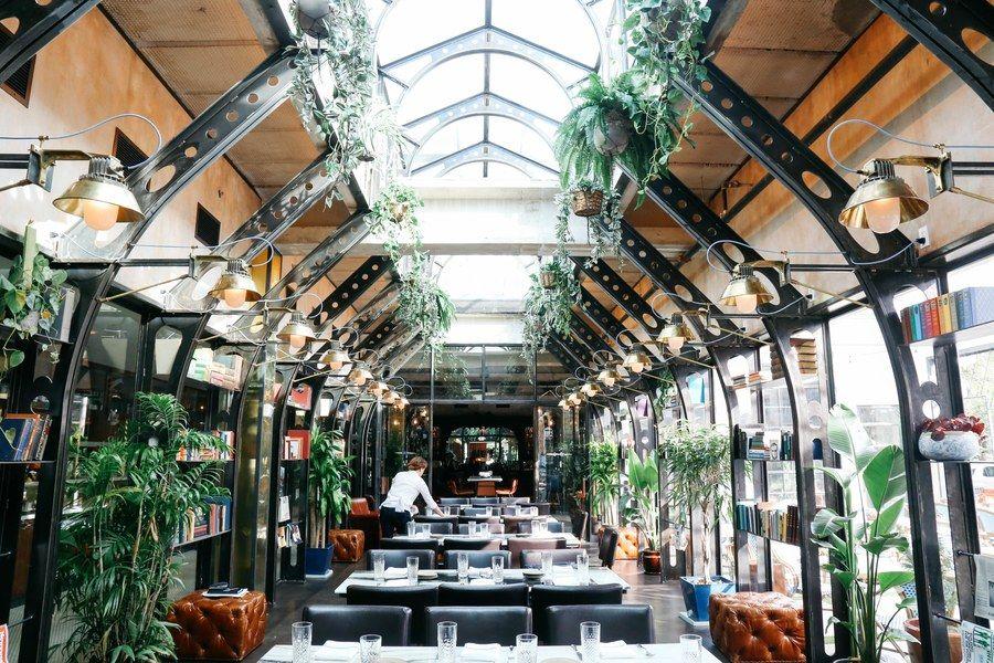 The World's Most Glass Restaurants Garden