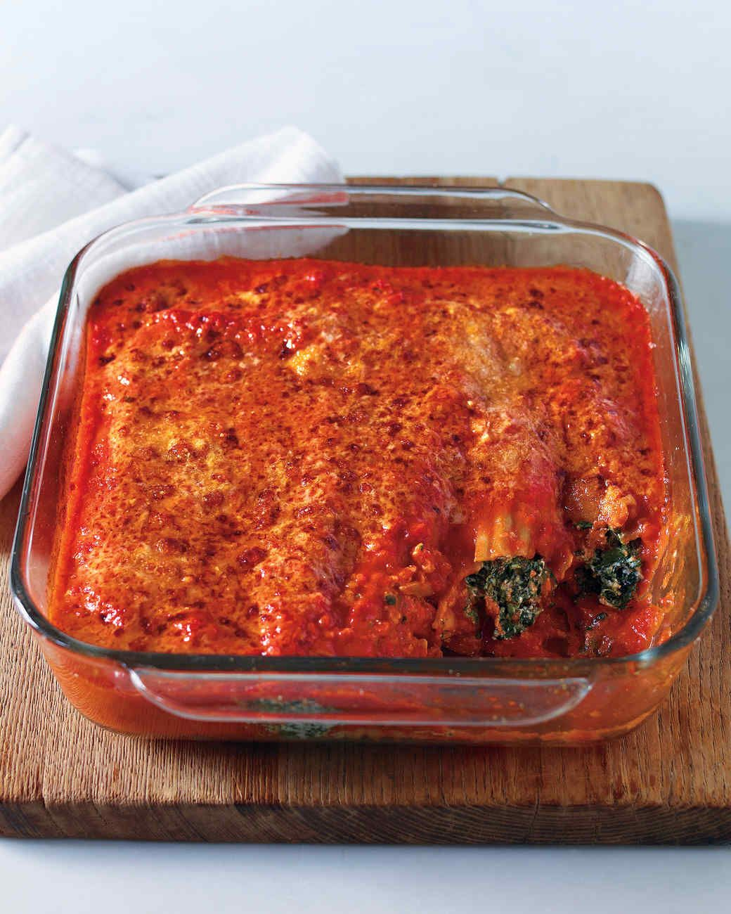 Spinach Manicotti In Creamy Tomato Sauce