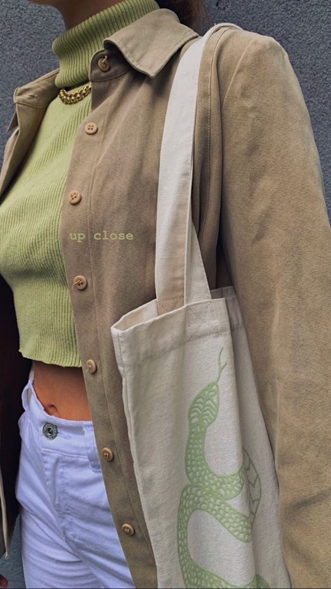 Cute fashion outfit whit tote bag