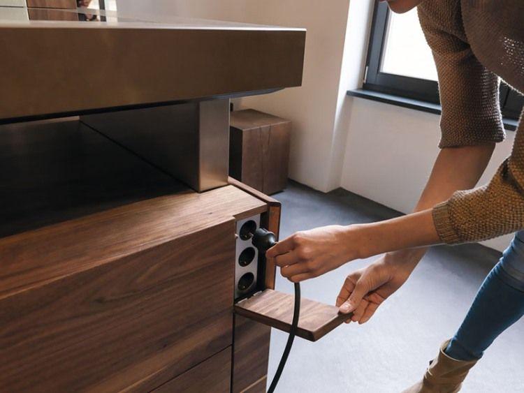 cache prise électrique dans la cuisine moderne  cuisine K7 par TEAM