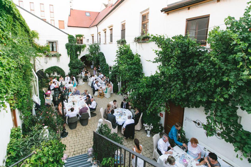 Lovely Eine kleine Hochzeitsfeier im eigenen Garten organisieren