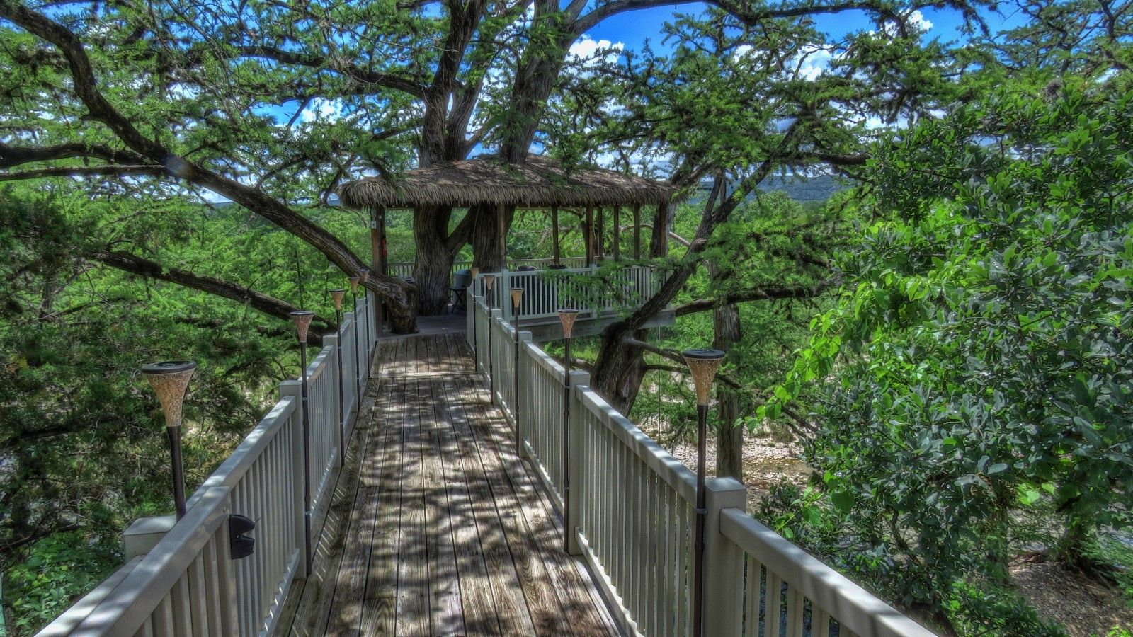 conditioned coffee bathroom river frio efficiency cabin the comfortably cabins refrigerator rentals pot lodging riverview cooktop rio sleep our and air private a microwave camp include on