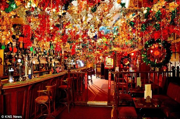 Christmas Display Ideas For Pubs.Pin On Pub