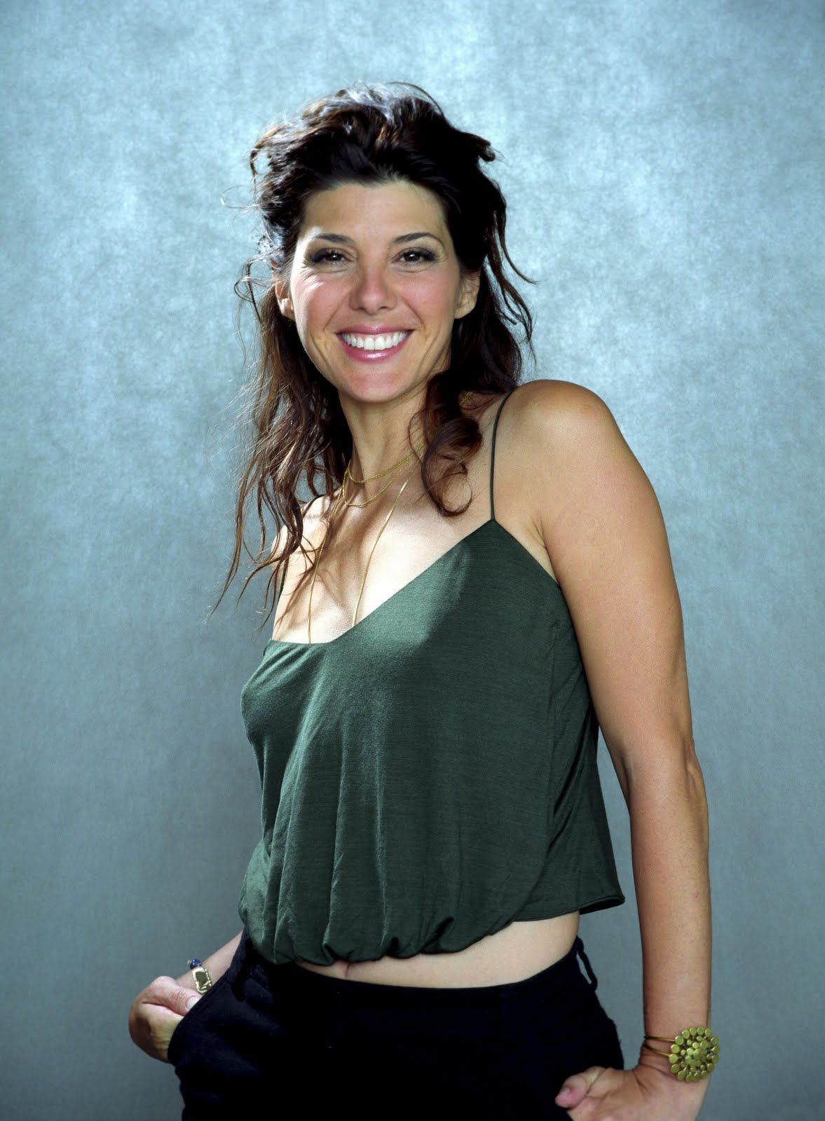 Famous Pretty Girls: Marisa Tomei Pokies Braless Nipples