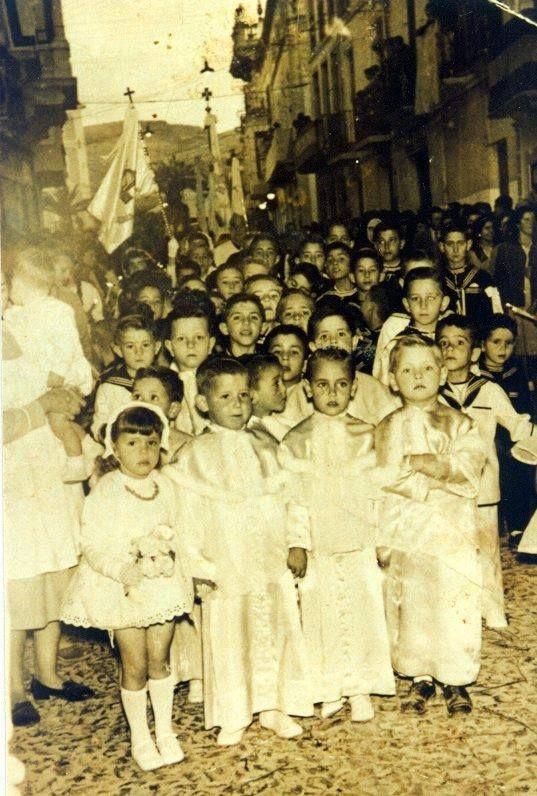 fotografías de colegio del Niño Jesus de las RRMM Escolapias en  Cabra de Córdoba