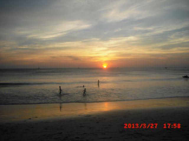 Increíble vista del atardecer Guanacasteco! Se pueden observar en cualquiera de nuestras playas cercanas!  #CostaRica