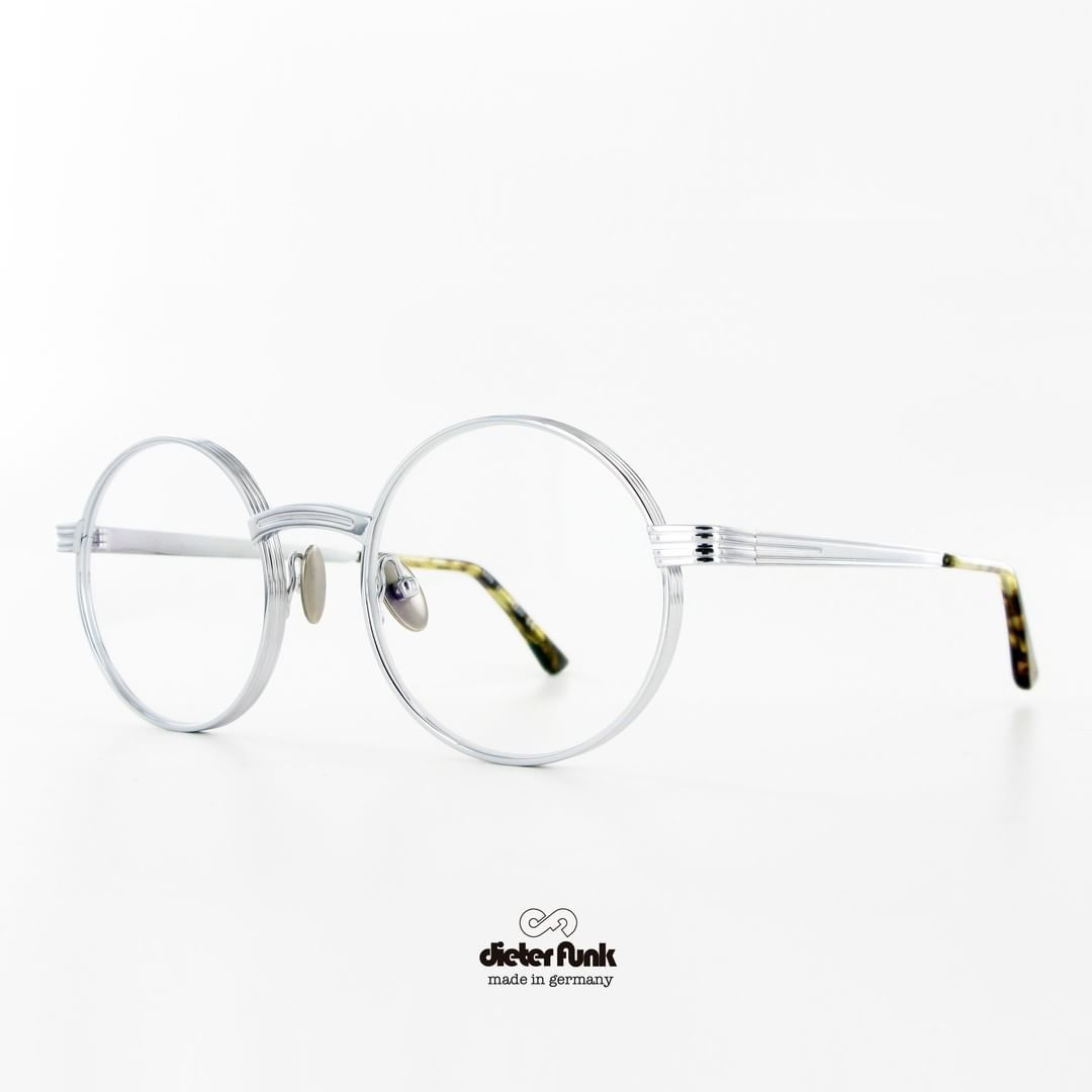 Light Weight But Massive Attitude Dieter Funk Presents Min In Titanium Available In 4 Colors Titaniumeyewear Massivetitanium Diet Eyewear Glasses Metal