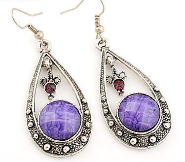 EA106 Tibetan silver exquisite PURPLE & RED crystal drop earing with hook style - suitable only to piercings. Normally retails for around $25 each - my selling price (including postage within Australia) is $15.00 each... Please feel free to contact me if your require price for postage overseas…